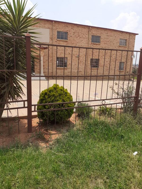 Property For Sale in Olievenhoutsbos, Centurion 5